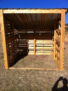 simple pallet shed