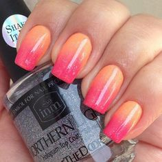 Love the colors nail art for girls, orange nail designs, sunset nails, fire Coral Ombre Nails, Ombre Nail Polish, Orange Nails, Pink Nails, My Nails, Sparkle Nails, Peach Nails, Trendy Nail Art, Cool Nail Art