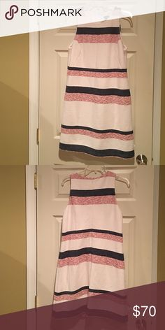 Ann Taylor size 8. Ann Taylor multifunctional knee length dress. Dresses