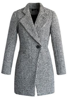 Needing to dash out of the house in 5 minutes just got a little easier with this classy double-breasted coat. Dress it up or dress it down. The tweed is a no-nonsense fabric that'll give structure to your most casual ensembles.   - Nerrow notch lapels - One concealed button and one button closure to front - Padded shoulder - Fake pockets in front - Quilt lining - Shell: 35% Wool, 33% Polyester, 27% Acrylic, 5% Viscose - Dry clean   Size(cm) Lenght Bust Shoulder Sleeves  XS      74…