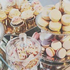Pink & Purple Macarons >> Mesa dulce en tonos pasteles.  #eventplanners #event #macarons #mesadedulce #party #wedding #ubf