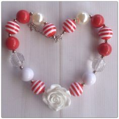 Bubblegum Necklace Red & White Rose - Christmas cuteness