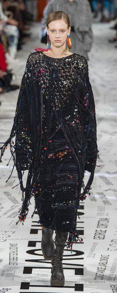41f1dc922da0f Stella Mccartney Automne-hiver 2019-2020 - Prêt-à-porter. Kimono TopRunwayStella  MccartneyParis FashionFashionFall WinterWalkwayParisian ...