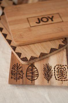 ダイソーの「はんだごて」で木の雑貨をオシャレに焼付DIY - Locari(ロカリ)