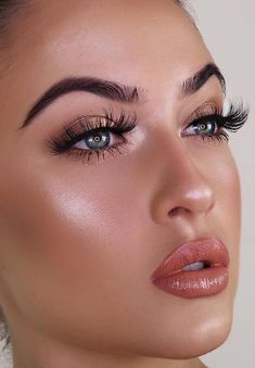 Summer Makeup Tips And Tricks For Perfectly Glowing Skin - Page 4 of 4 - Style O. - My most beautiful makeup list Make Up Looks, Bridal Makeup, Wedding Makeup, Sommer Make-up Looks, Vacation Makeup, Make Up Designs, Art Designs, Makeup Tutorial Eyeliner, Makeup Salon
