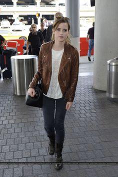 Emma Watson Casual, Emma Watson Hot, Emma Watson Style, Emma Watson Beautiful, Stylish Dress Designs, Stylish Dresses, Hermione Granger Outfits, Emma Watson Quotes, Airport Chic