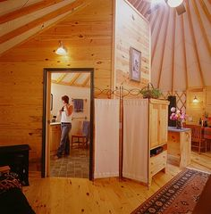 Pacific Yurts – enclosed inner bathroom How bout this for the future compound! Think I could live in one! Yurt Living, Tiny House Living, Pacific Yurts, Yurt Interior, Interior Walls, Building A Yurt, Yurt Home, Octagon House, Sheltered Housing