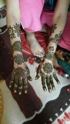 Full Mehndi Designs, Peacock Mehndi Designs, Hena Designs, Mehndi Design Pictures, Mehndi Images, Mehndi Designs For Hands, Easy Henna, Simple Henna, Arabian Mehndi Design