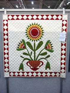 Lotus Flower quilt by Chris at patchwork fundamentals