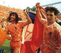 Van Basten & Ruud Gullit en la EURO 1988, conquistada por Holanda.