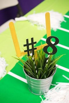 Football Birthday Party Centerpiece I love parties and pretty soon, my son won't want a cutsy kid's party. Where did the time go? So this year, we decided to throw a full on football mania party. Kids Football Parties, Football Banquet, Football Birthday, Sports Birthday, Sports Party, 1st Birthday Parties, 8th Birthday, Office Football, Birthday Nails