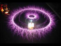 ▶ The Missing Secrets - Nikola Tesla - Must SEE! - YouTube Tesla Coil, Quantum Physics, Multimedia, Nikola Tesla, Tesla S, The Secret, Amazing Inventions, Einstein, Tesla Inventions