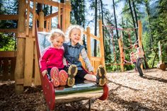 The Magic Forest in Sautens is a theme trail with viewing platform, motor skill course and forest playground. A great family excursion site in the Oetz Region. Magic Forest, Animal Species, Prams, Forest Animals, Beautiful Butterflies, Say Hello, How To Introduce Yourself, Habitats, Playground