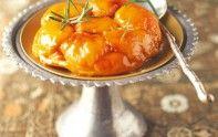Le chef Cyril Lignac vous fait découvrir la recette d'un dessert très gourmand : le tatin aux abricots et romarin.