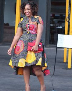 kitenge designs Hello gorgeous ladies Today on Stylish Gwin Africa, were looking out one of the most trending styles that is currently in vogue: Super Stylish and Juicy Ankara Gown Sty African Fashion Ankara, African Inspired Fashion, Latest African Fashion Dresses, African Dresses For Women, African Print Dresses, African Print Fashion, Africa Fashion, African Attire, African Wear