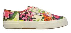 What better way to enjoy the floral trend than with a pair of your favourite takkies? We love these floral Superga sneakers! Superga Sneakers, Fashion Editor, Nice Dresses, Fashion Beauty, Slip On, Pairs, Crop Tops, My Style, Floral