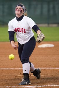 Atascocita's Shelby McGlaun (34) pitches during Atascocita's 1-0 victory over Kingwood on March 17, 2015, at Atascocita High School.