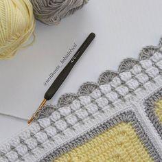 Kenar yapıyorsak artık mutlu sona gelinmiştir. Motifler büyüdükçe elime sığmadığı için biraz zorlansam da  sonuç tahminimden çok daha güzel oldu  (ip himalaya everyday bebe lüks, tığ 2,5 mm) #örgü#tığişi#tigisi#elisi#elişi#knit#knitting#knitter#knittersofinstagram#crochet#crocheting#crochetlover#crochetaddict#yarn#yarnaddict#battaniye#bebekbattaniyesi#blanket#babyblanket#sipariş#siparişalınır#ceyiz#ceyizhazirligi#çeyiz#çeyizhazırlığı#ceyizönerisi#çeyizönerisi#order