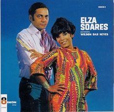 Encore un album totalement survolté de la divine Elza Soares. Sur ce Elza Soares e o Baterista Wilson das Neves (1968), elle s'associe avec l'immense batteur Wilson das Neves qui a oeuvré pour les plus grands : Sarah Vaughan, Toots Thielemans, Michel...