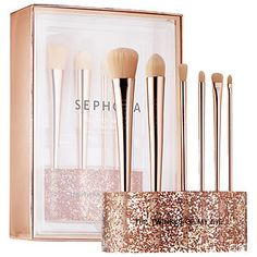Shop Sephora Collection's Glitter Happy Brush Set at Sephora. This six-piece, limited editon brush set comes with a glittery brush stand. Lip Stain Sephora, Sephora Makeup, Holiday Makeup, Christmas Makeup, Christmas Glitter, Christmas Rose, Cute Makeup, Beauty Makeup, Beauty Box