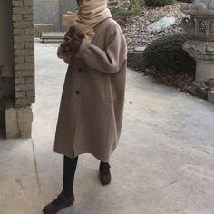 Korean Fashion – How to Dress up Korean Style – Designer Fashion Tips Mode Outfits, Casual Outfits, Fashion Outfits, Womens Fashion, Fall Winter Outfits, Autumn Winter Fashion, Mode Style, Mannequins, Asian Fashion