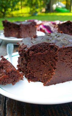 brownie z czerwieni czerwieni Easy Cake Recipes, Sweets Recipes, Snack Recipes, Cooking Recipes, Snacks, Healthy Cake, Healthy Sweets, Delicious Desserts, Yummy Food