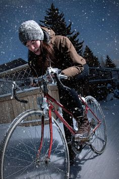 To encourage your bravery, here are just a few tips and tricks to a girls guide to biking in the polar vortex.