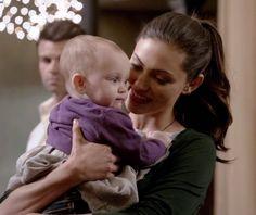 The Originals – TV Série - Hayley Marshall - Phoebe Tonkin - rainha - queen - lobo - Wolf - baby Hope Mikaelson - bebê - amor - love - daughter - filha - mother - mãe - mom - mamãe - 2x14 - I Love You, Goodbye - Eu Te Amo, Adeus