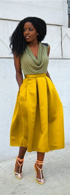 hip stitched box pleat skirt