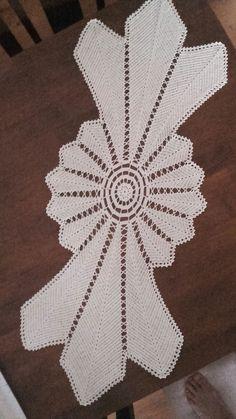 Crochet Freetress - How to Crochet For Beginners Crochet Motifs, Crochet Dishcloths, Crochet Diagram, Filet Crochet, Diy Crafts Crochet, Crochet Home, Crochet Projects, Crochet Table Runner Pattern, Crochet Tablecloth