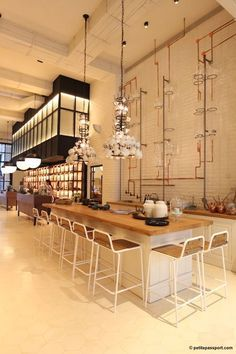 Take a look at the best restaurants ideas! #restaurantdesign #restaurantnews #designnews #modernrestaurants #restaurantmoderndesign