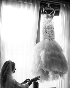 """94 Likes, 4 Comments - R A C H E L • L E I N T Z (@rleintzphotography) on Instagram: """"Just a quiet moment of a gal getting ready to walk down the aisle! @miguelocquephotography, thought…"""""""