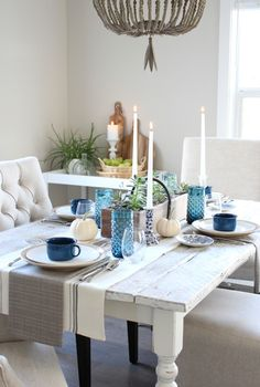 Get inspired by this Canadian-based Bloggers Fall Home Tour, including a modern farmhouse kitchen and dining room decorated in eclectic vintage rustic style ~ Fall Home Decorating Ideas