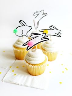 [On aime] Printable jumping bunny cupcake toppers - Oh happy day @ohhappyday