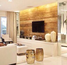 Sala rack tv painel madeira e branco