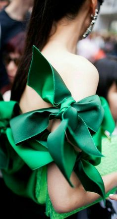 bows.quenalbertini: Green bow