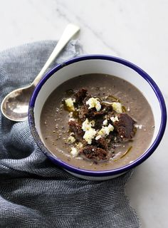 The chilly and wet weather hasn't left us just yet so soup still feels like the perfect solution to weekday meals. This incredibly simple mushroom soup uses cauliflower to create a creamy element. Rye croutons add a caramelly richness that I love while goat's cheese has a sharpness saltiness that is excellent with mushrooms.