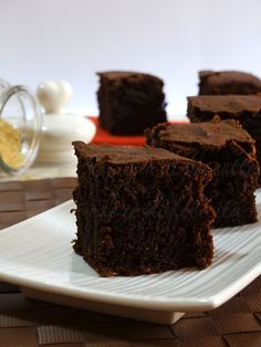 dark chocolate cake with brown sugar and whole wheat flour. Dark Chocolate Cakes, Chocolate Desserts, Cupcakes, Cake Cookies, Sweets Recipes, Cake Recipes, Healthy Cake, Sweet Cakes, Muffin