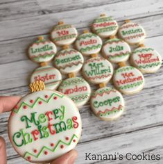 of the best decorated Christmas cookies. Different cookie cutouts and decorating styles are here with some easy recipes thrown into the mix as well. Find classics such as shortbread cookies, gingerbread cookies, sugar cookies and more! Cute Christmas Cookies, Iced Cookies, Cut Out Cookies, Christmas Sweets, Christmas Cooking, Holiday Cookies, Cookies Et Biscuits, Christmas Christmas, Christmas Cupcakes