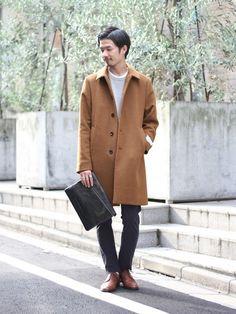 鮮やかなキャメルカラーが魅力的なカシミヤ混のステンカラーコート。タイトシルエットのモールスキンパンツ Coat, How To Wear, Jackets, Fashion, Down Jackets, Moda, Sewing Coat, Fashion Styles, Peacoats