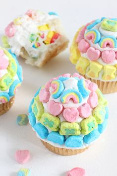 Lucky Charms Cupcakes are not for the faint of heart. So much sweetness we have a toothache just looking! Still would eat them up though. From I Spy DIY