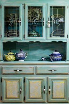 Annie Sloan chalk paint china cabinet redo.