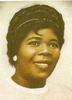 La madre de bob Marley ( presiona la foto y conoce al padre )