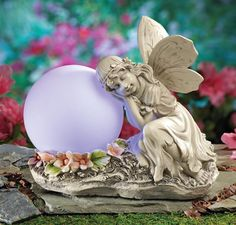 SOLAR GARDEN ANGEL STATUE LOOKS BEAUTIFUL HOME YARD, DECK,  PATIO COUNTRY DECOR
