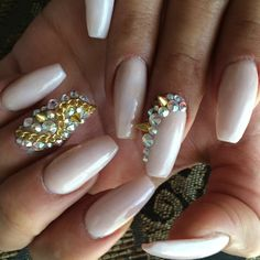 I like the shape of these nails