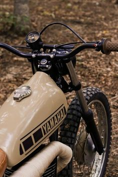 Discover a number of my most desired builds - unique scrambler ideas like - Luxury Motorcycle! Yamaha Cafe Racer, Tw Yamaha, Yamaha Bikes, Moto Cafe, Cafe Racers, Cb400 Cafe Racer, Tracker Motorcycle, Cafe Racer Motorcycle, Motorcycle Garage