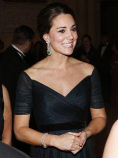 Long dress earrings emerald