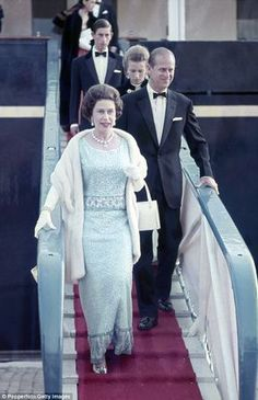 Queen Elizabeth II, Prince Philip, Princess Anne and Prince Charles disembark from HMY Britannia prior to a banquet at Hakonshall in Bergen during a Royal Visit to Norway on August 1969 God Save The Queen, Hm The Queen, Royal Queen, Her Majesty The Queen, Prinz Philip, Prinz Charles, Prinz William, Reine Victoria, Queen Victoria