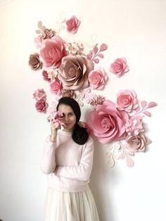 Rien à dire que les fleurs en papier de conception de la Galerie Mio ajoutent une touche de dynamisme, de couleur et de plaisir à n'importe quel lieu et sont adaptés à une gamme d'événements, y compris les mariages, les anniversaires et les douches de bébé. Chaque fleur en papier est