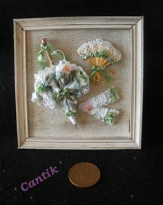 1:12 Scale Hand-Made Miniature PARASOL FAN GLOVE SHOP WALL DISPLAY PLAQUE GREEN